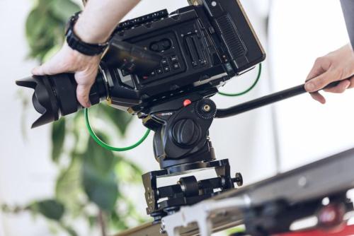 Kamera-Slider-Einsatz für einen Imagefilm in Darmstadt.