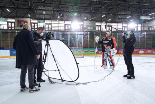 Unser Filmteam beim Dreh für einen Imagefilm bei den Löwen Frankfurt in der Eissporthalle.